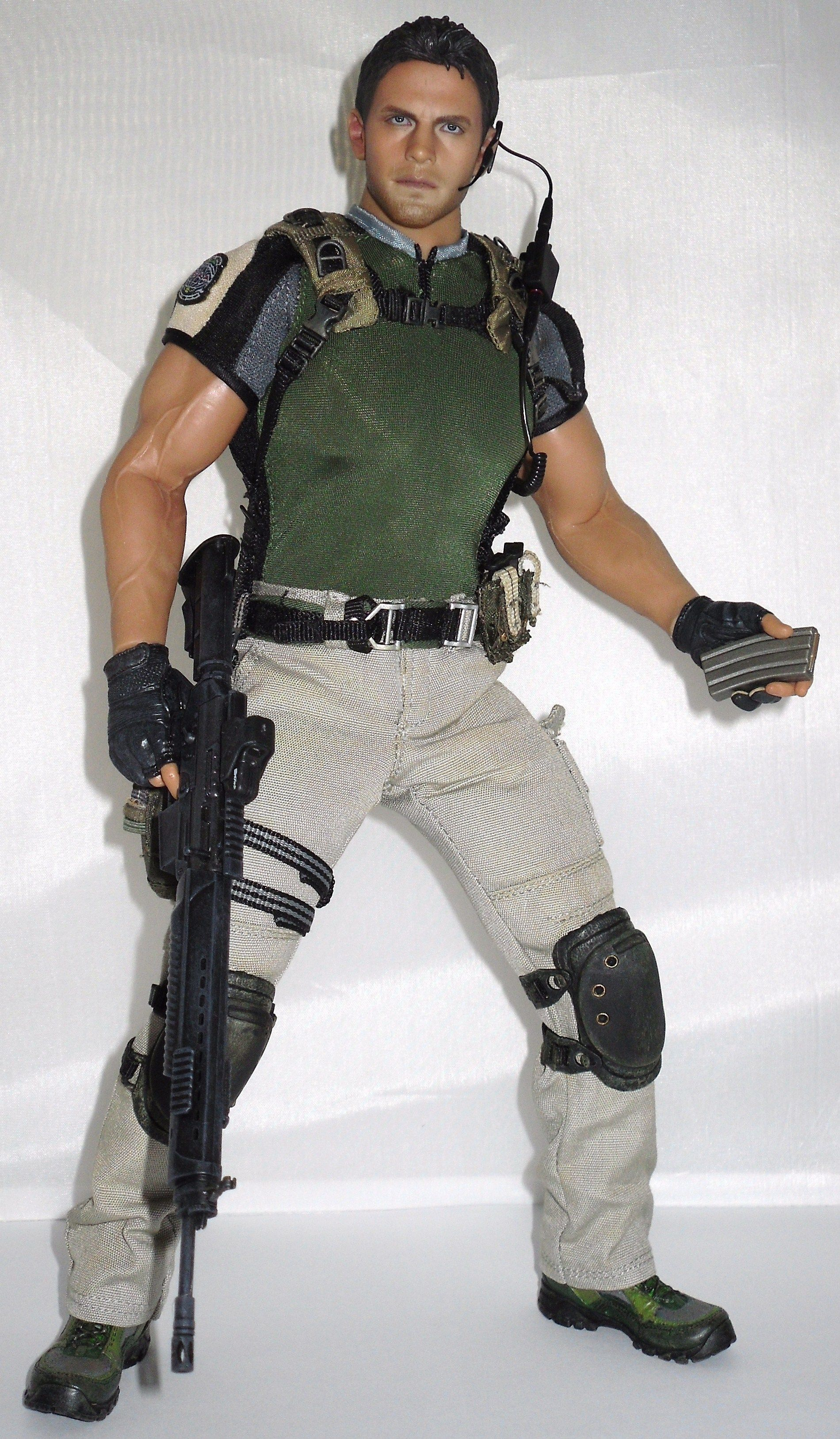 Chris Redfield 1:6 scale figure from Resident Evil 5 videogame