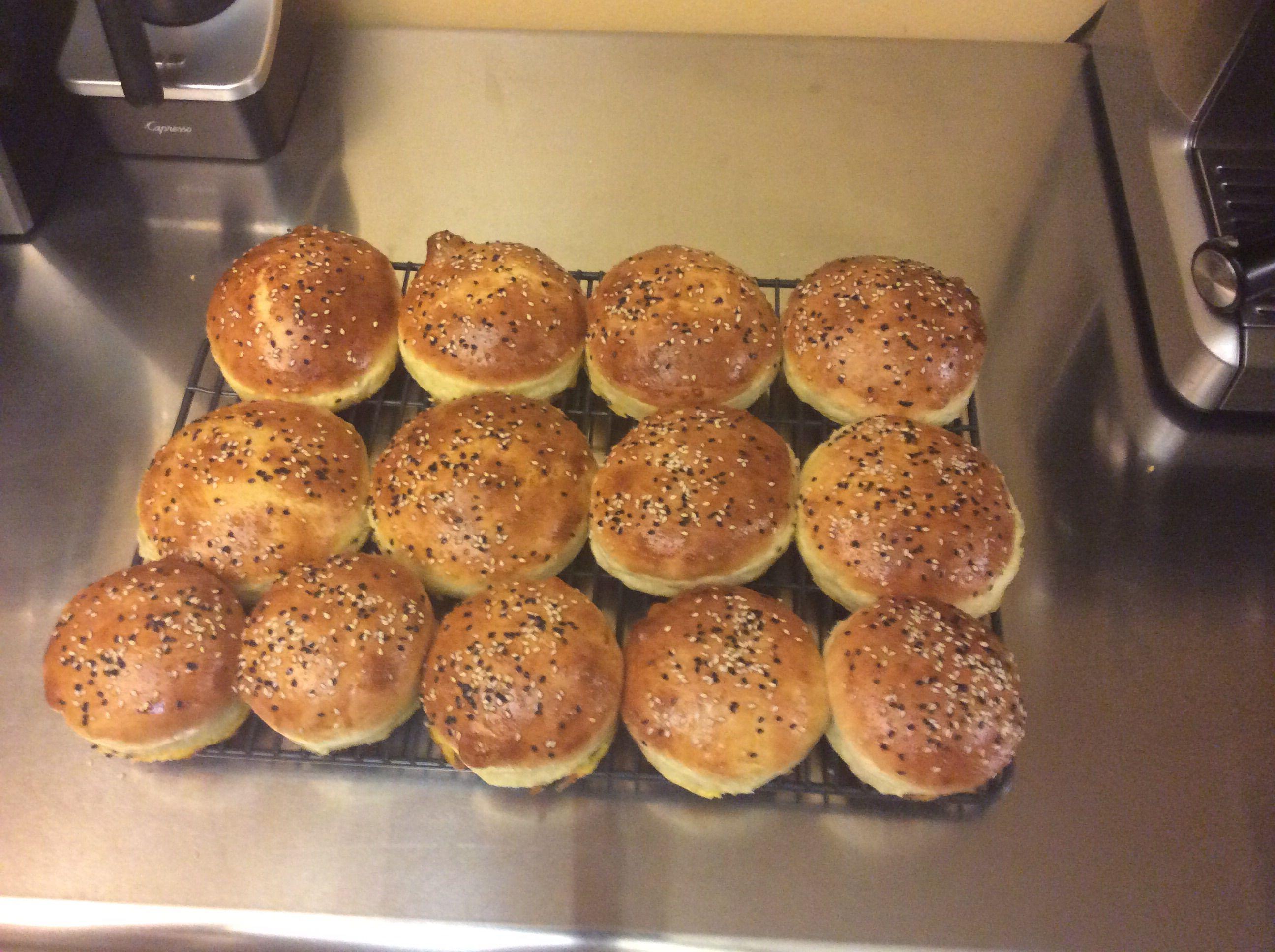 Gourmet hamburger buns you can make in 4 hours recipe