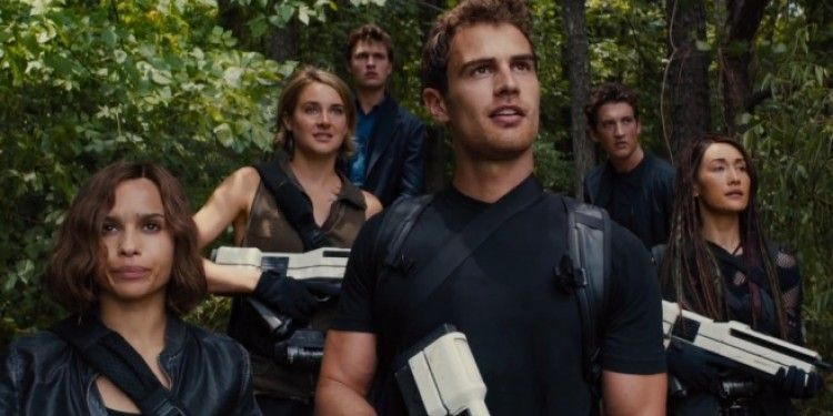 Télécharger Divergente 3 Au-delà du mur 2016 Qualité DVDRip | FRENCH Nom original du film : The Divergent Series: Allegiant Réalisé par : Robert Schwentke A