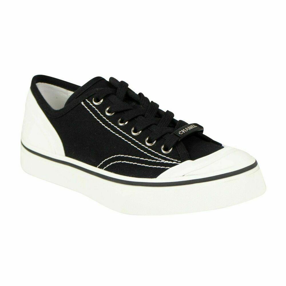 NIB Rovers Leather lace up Sneaker Style shoes in White