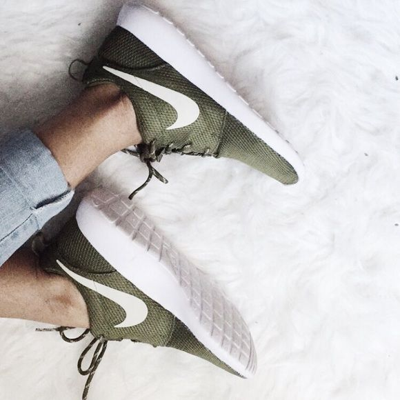brand new 045d5 ee342 Shop for Roshe Shoes At Running shoes store. Browse a ...