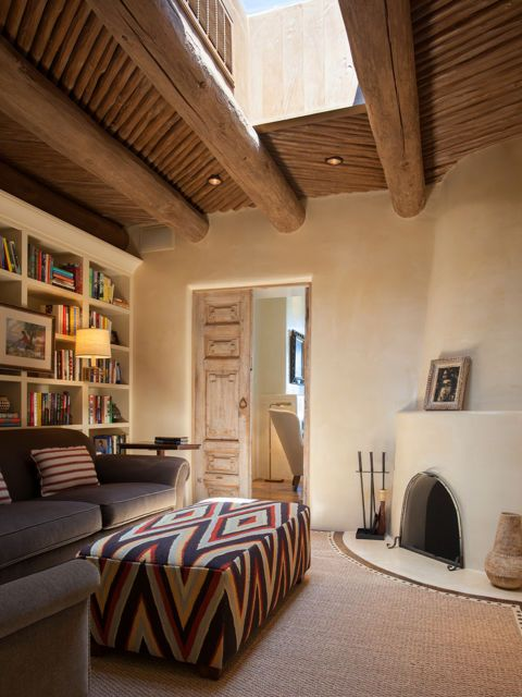 Step Inside A Stunning Adobe Home In Santa Fe Adobe House Southwestern Home Southwestern Decorating