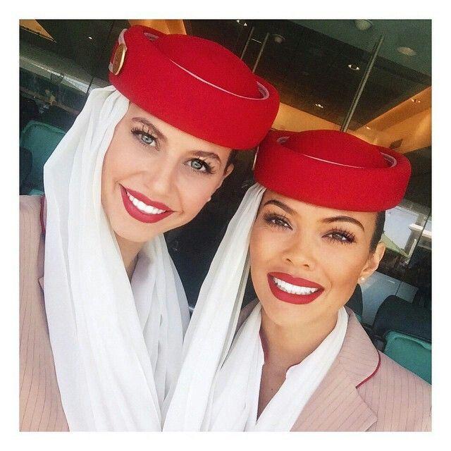 emirates stewardess crewfie  georgia nielsen