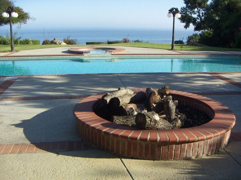 Fire pit, pool, beach, ocean... done. | Pool, Pool house ...