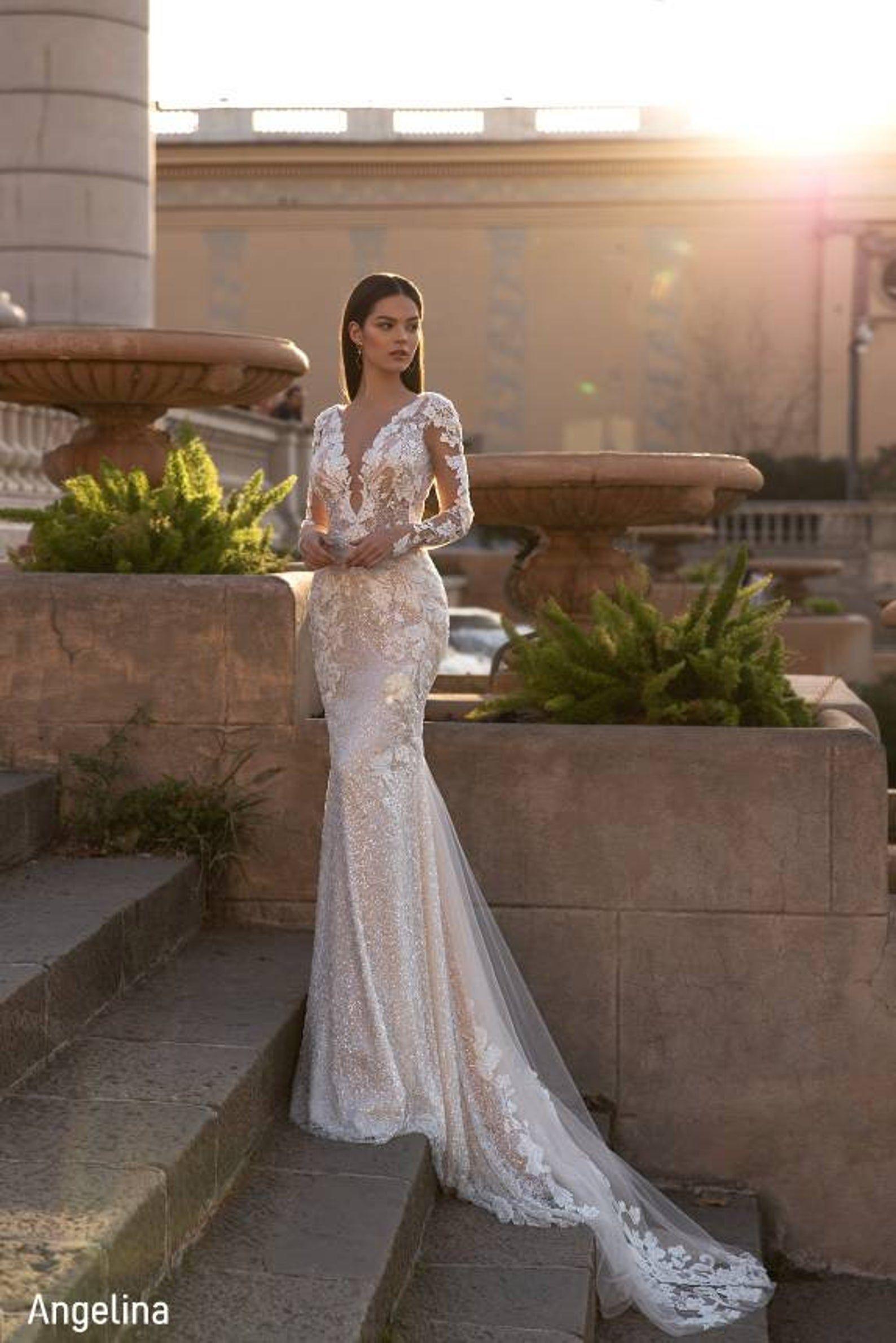 Mermaid Wedding Dress Wedding Dress Fitted Elegant Wedding Dress Long Sleeve Silhouette Wedding Dress Fully Beaded Wedding Dress In 2021 Fitted Wedding Dress Mermaid Wedding Dress Long Sleeve Wedding Dress Lace [ 2379 x 1588 Pixel ]