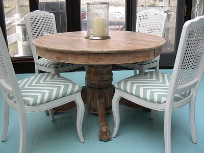 Gorgeous Shiny Things Diy Limed Oak Table A Curbside Score Kitchen Table Oak Oak Table Wooden Dining Room Table