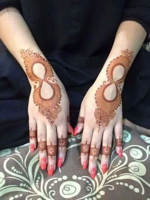 Unique mehndi designs arabic henna pretty hand also pin by naziya khan on mehandi rh pinterest
