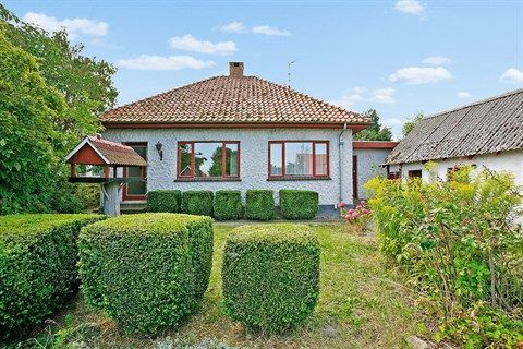 Tystrupvej 30, 4250 Fuglebjerg - Hyggeligt landsbyhus, særdeles velbeliggende syd for Tystrup sø #fuglebjerg #villa #selvsalg #boligsalg