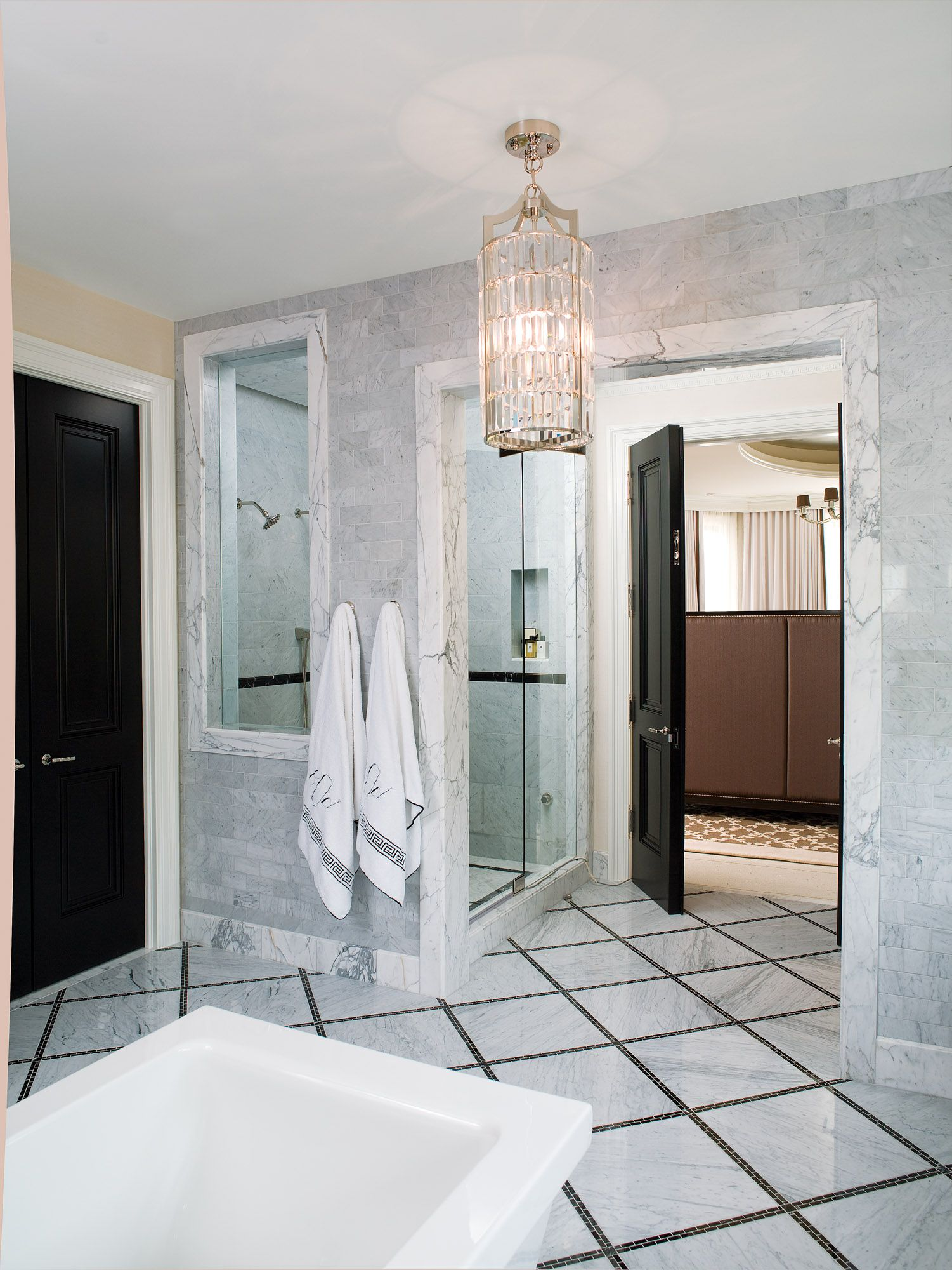 Black and white marble bathroom by Jamie Herzlinger | My Design ...