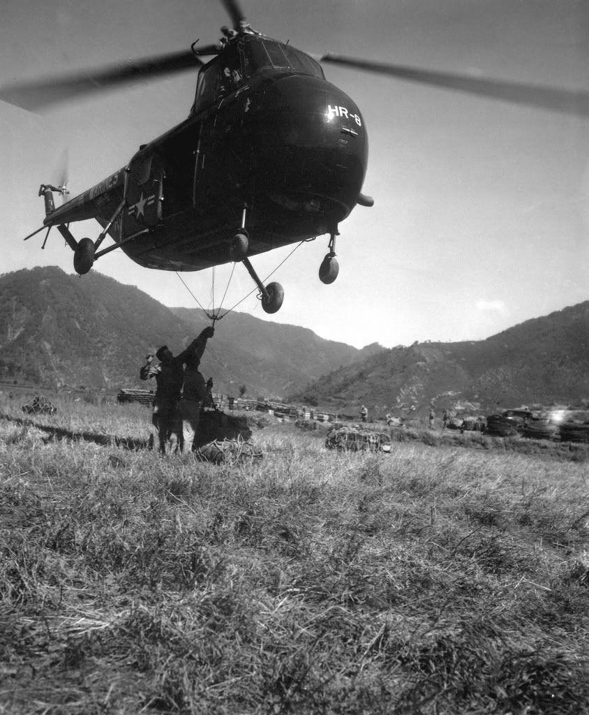 1951 carga externa Korean war, Us military aircraft, War