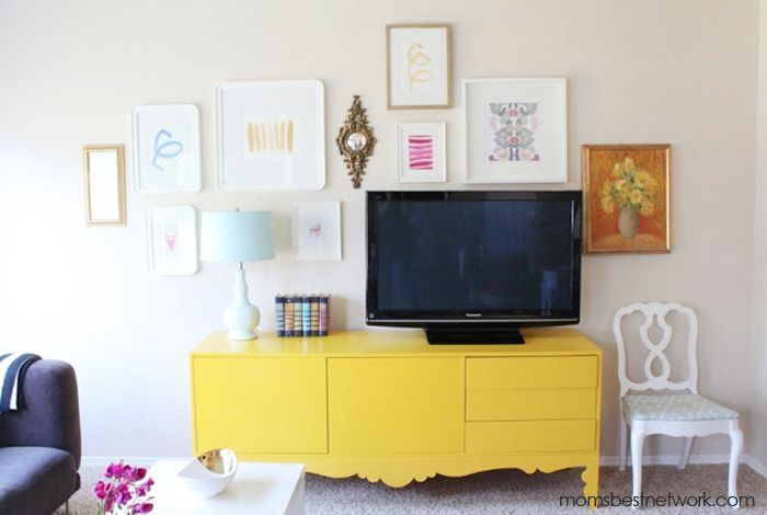Home Style: Console + Gallery Wall from Danielle Oakey Interiors via momsbestnetwork.com