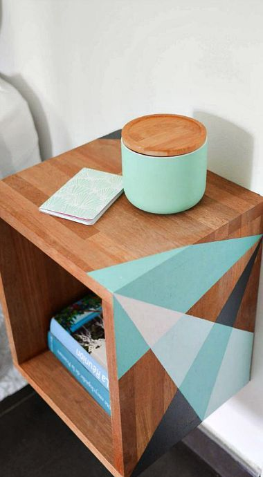 DIY floating graphic night table Decoración Pinterest Bureau - Peindre Table De Chevet