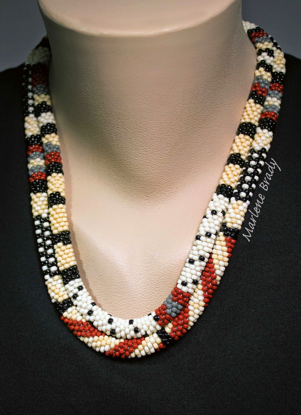 Marlene Brady: Polka Dots & Stripes in Bead Crochet | Collares ...