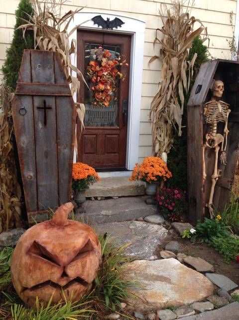 Click this pin to see the hauntingly beautiful setting Jim W - halloween do it yourself decorations
