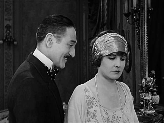 casamento, luxo, Charles Chaplin, drama, tragédia, camponesa, Paris, Edna Purviance,  Carl Miller, magnata, história de amor