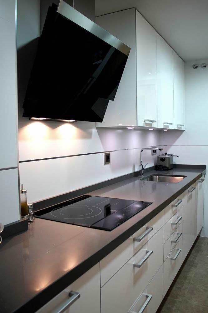 Cocinas dise o de cocinas en mostoles rey blanco con for Muebles capitol