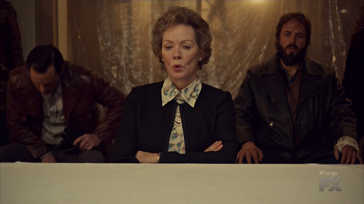 "Fargo 2x04 ""Fear and Trembling"" - Dodd Gerhardt (Jeffrey Donovan), Floyd Gerhardt (Jean Smart) & Bear Gerhardt (Angus Sampson)"