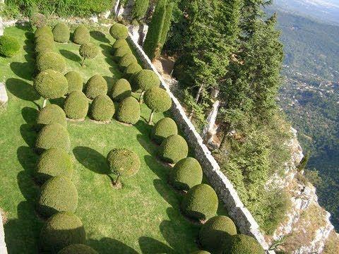 Сады крепости Chateau de Gourdon. Сады Potager du Roi. Парк Chateau de C...