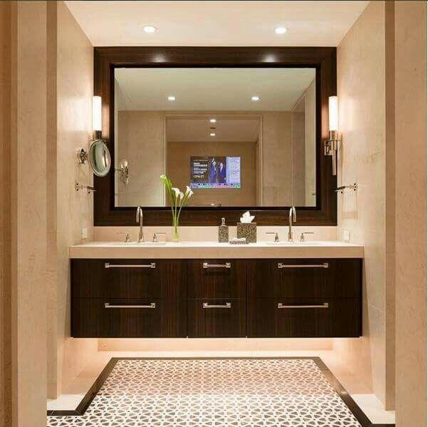 Ba o con espejo grande y dos lavamanos decor en 2019 for Espejos para banos con guardas