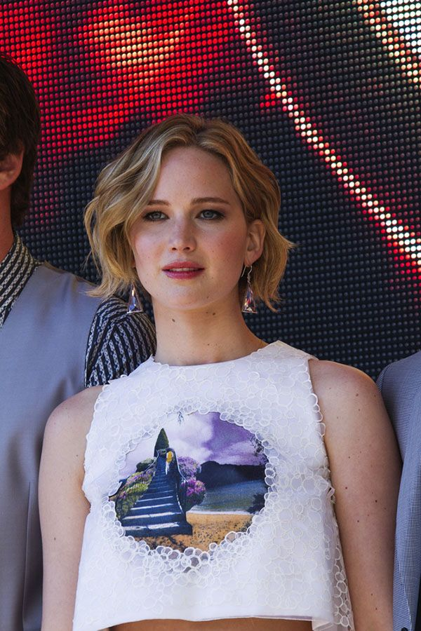 Peachy How To Grow Out Your Pixie Like A Celebrity Jennifer Lawrence Hairstyles For Women Draintrainus