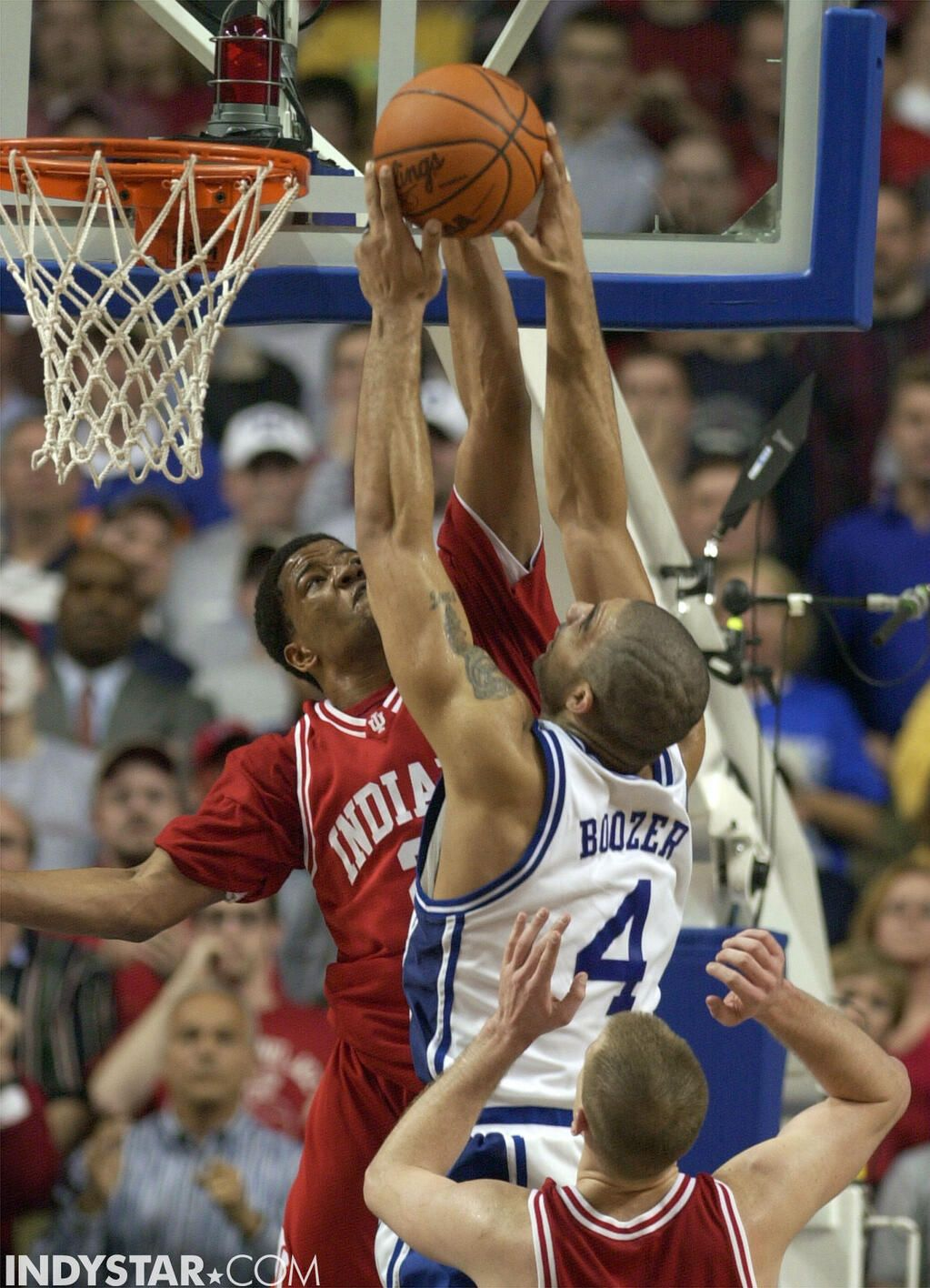 AJ Moye blocking Carlos Boozer en route to Indiana upsetting the