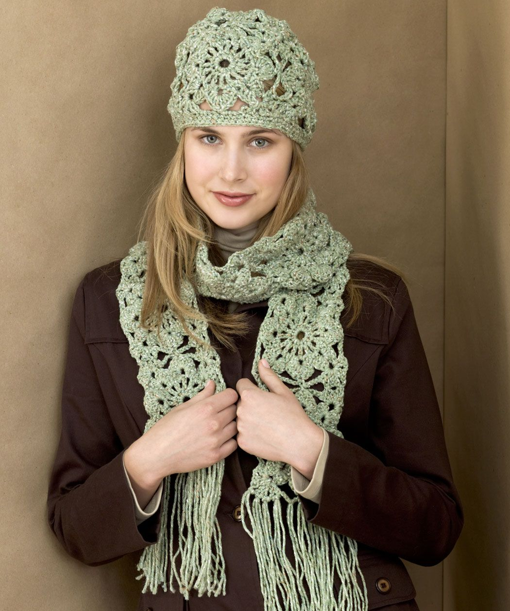 Crochet Squares Hat & Scarf...this is sooo pretty but looks ...