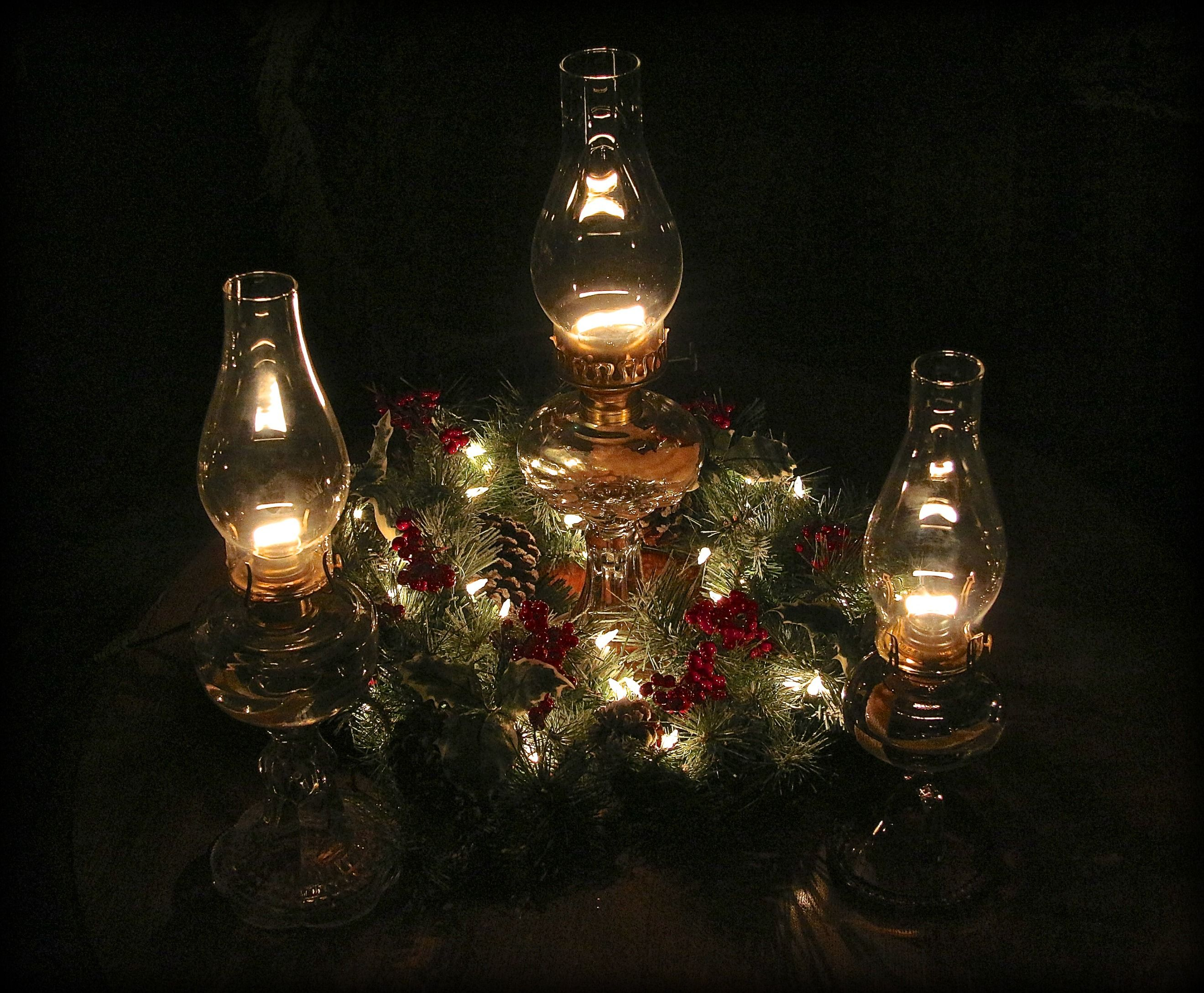 Vintage Oil Lamps For Table Centerpieces For Any Occasion