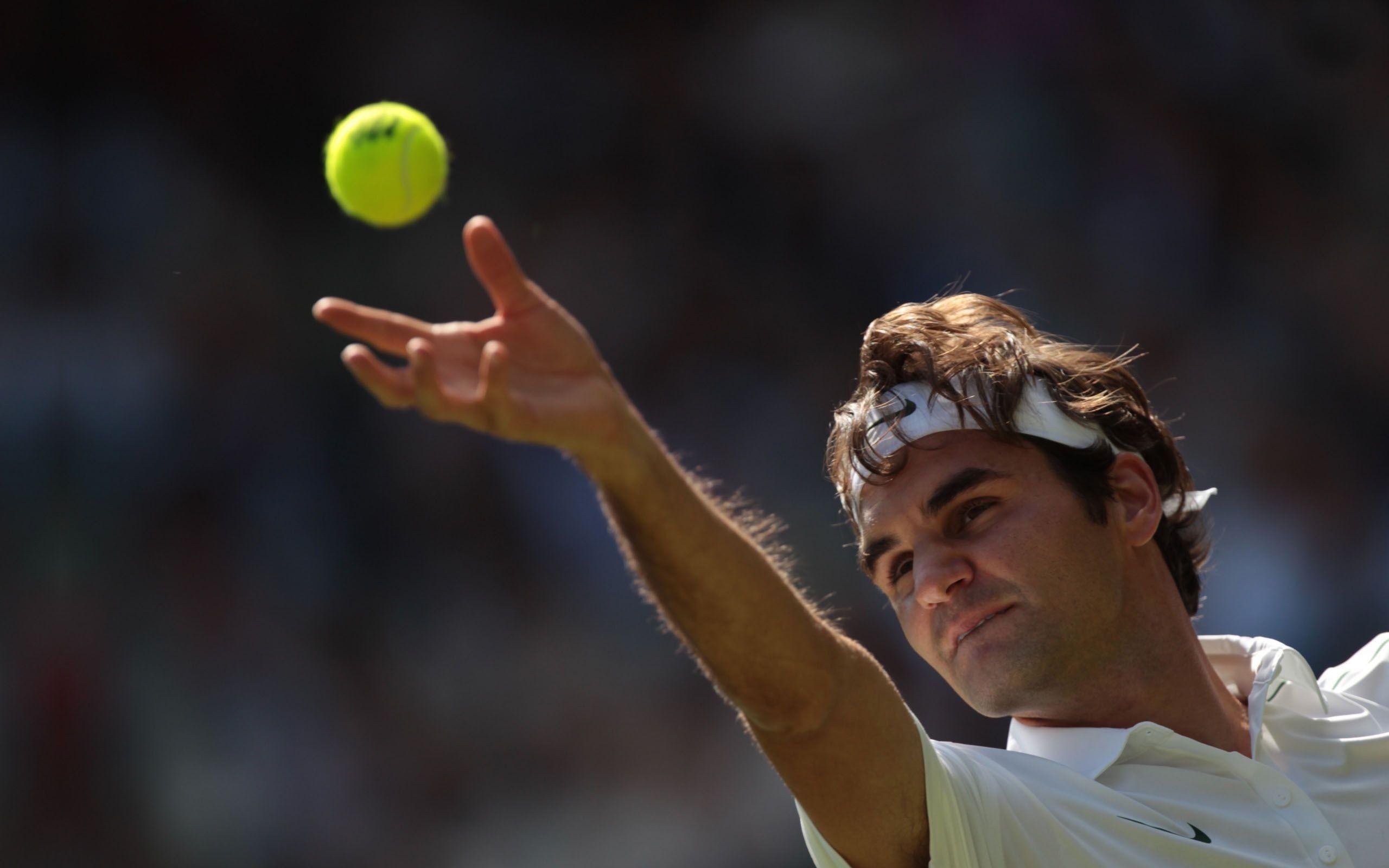 Roger Federer Serve A Tennis Ball Wallpapers Hd Wallpapers Roger Federer Sports Wallpapers Tennis Players