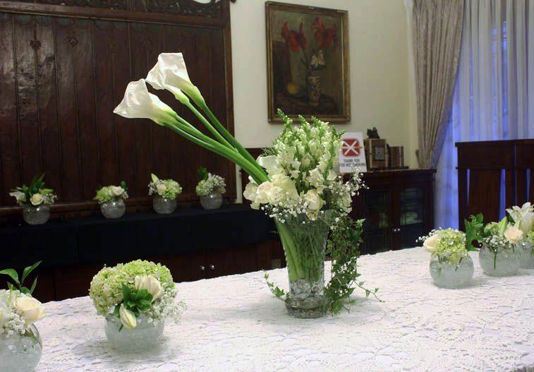 Rangkaian Bunga Meja Panjang Decorating With Love Decor