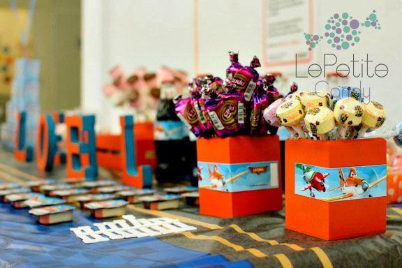 Paletas/Lollypops  Aviones / Planes Candy Bar Personalizado https://www.facebook.com/pages/LePetite-Candy/1474953559449080