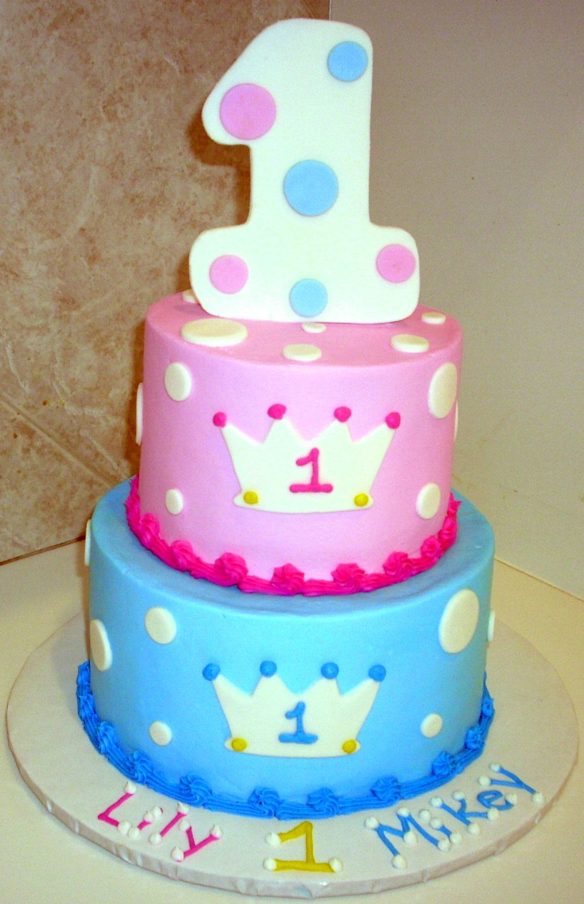 Pleasing 1St Birthday Prince Princess Twin Birthday Cakes Boys 1St Personalised Birthday Cards Veneteletsinfo
