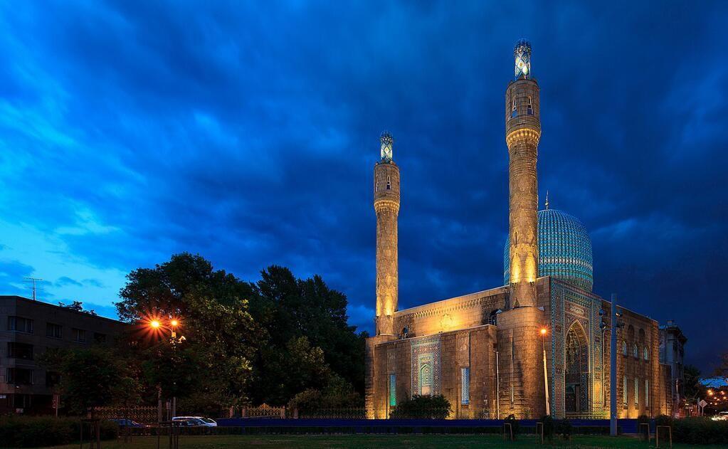 Ações de Usuário    Seguindo   Masjid Pics @MasjidPics Saint Petersburg Mosque, St. Petersburg, Russia