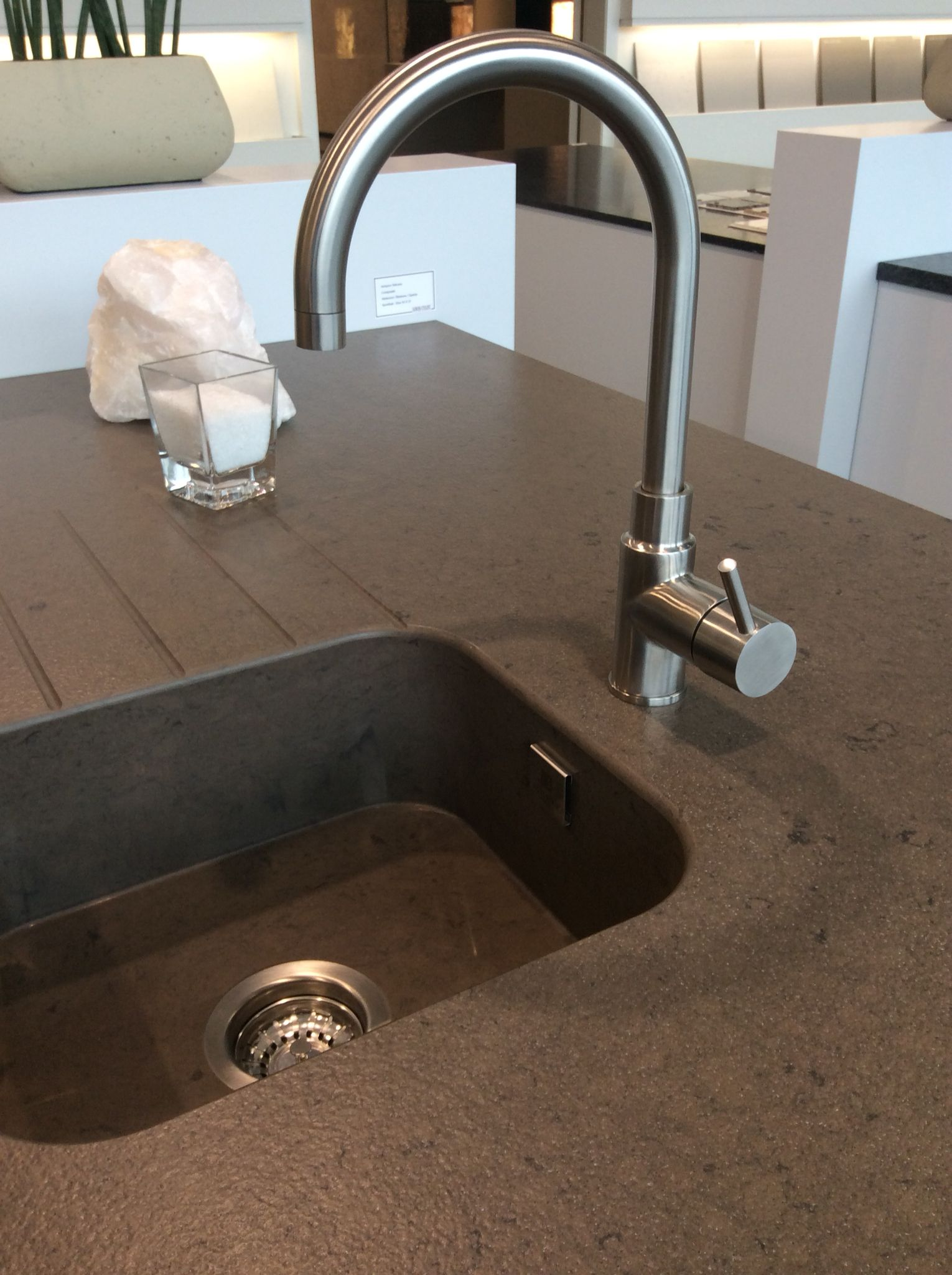 Silestone Amazon Volcano Integrity Sink Louis Culot Keukenwerkbladen Kuche