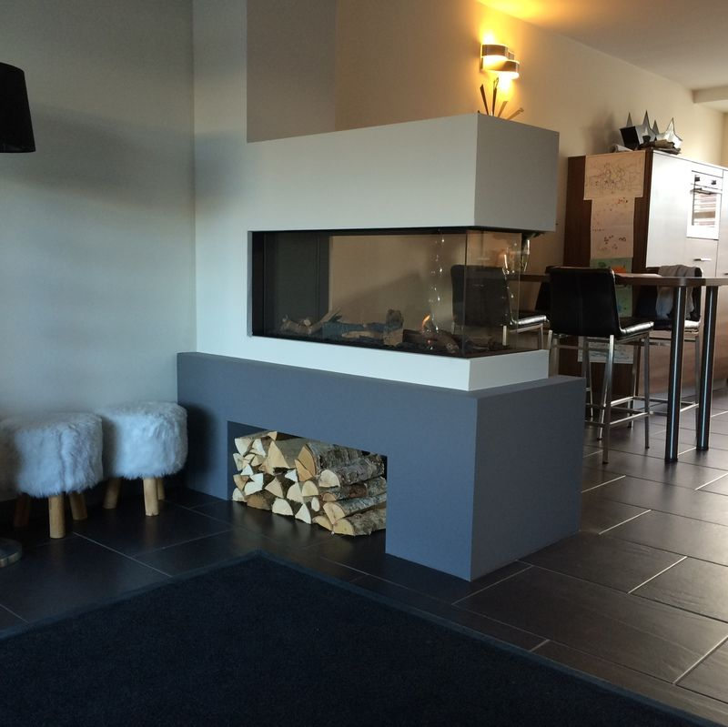 Roomdivider als scheiding tussen woonkamer en keuken woonkamer pinterest keuken haard en - Scheiding meubels ...