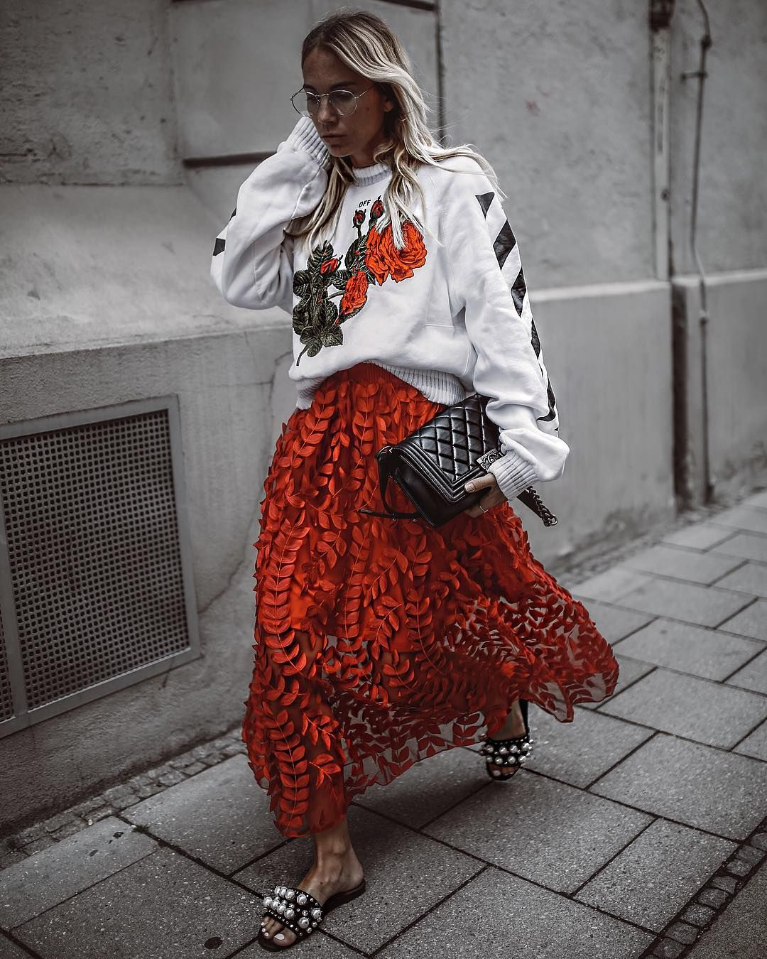 Photo of TREND ALERT: EXTRAVAGANT ROBES meet STREETSTYLE – Constantly K