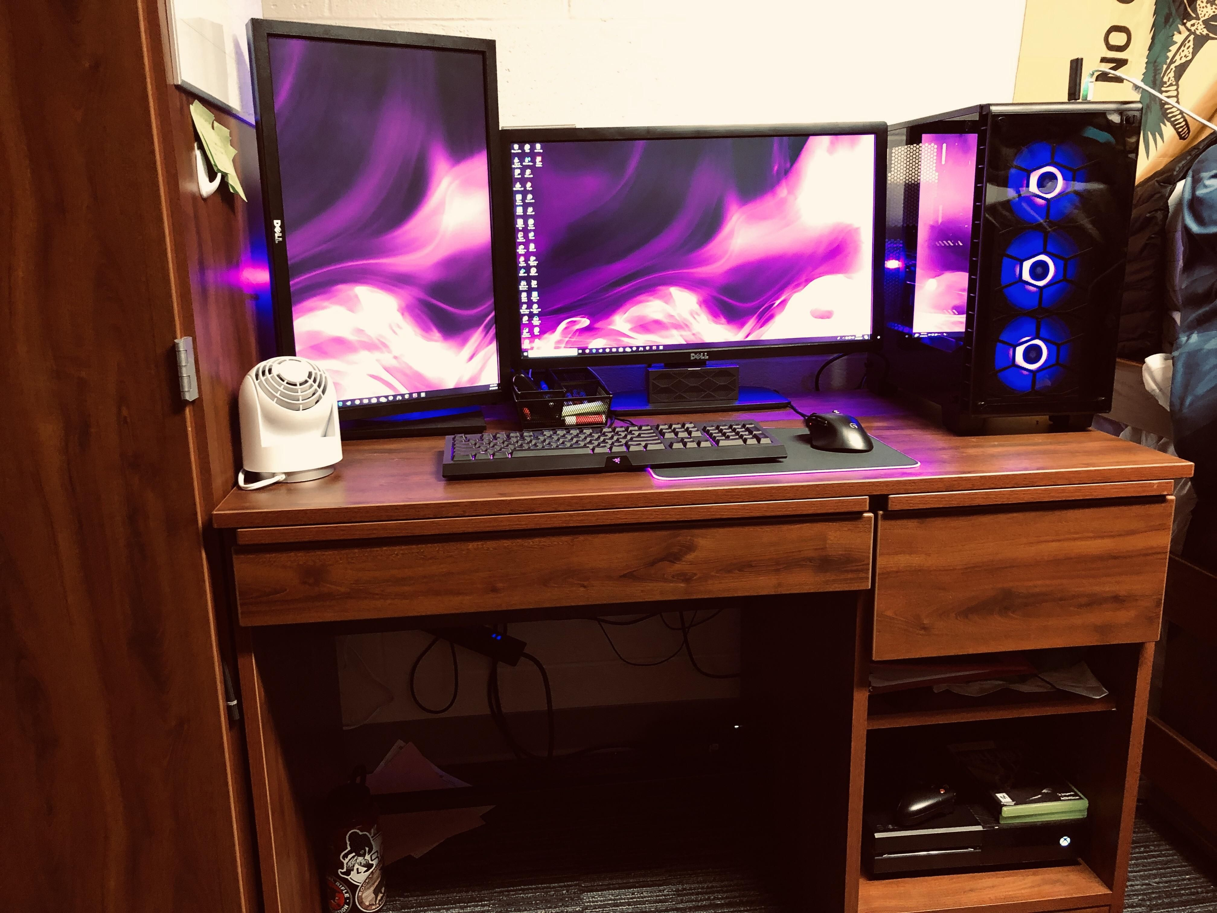 Using College Dorm Desks To The Full Potential Computers In