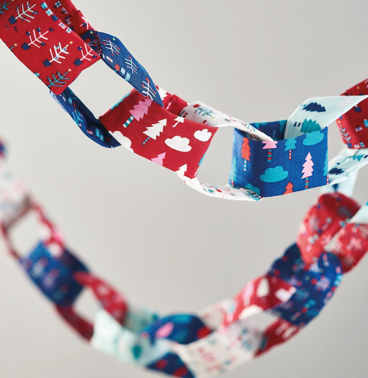 Festive Fabric Chains - Free sewing patterns - Sew