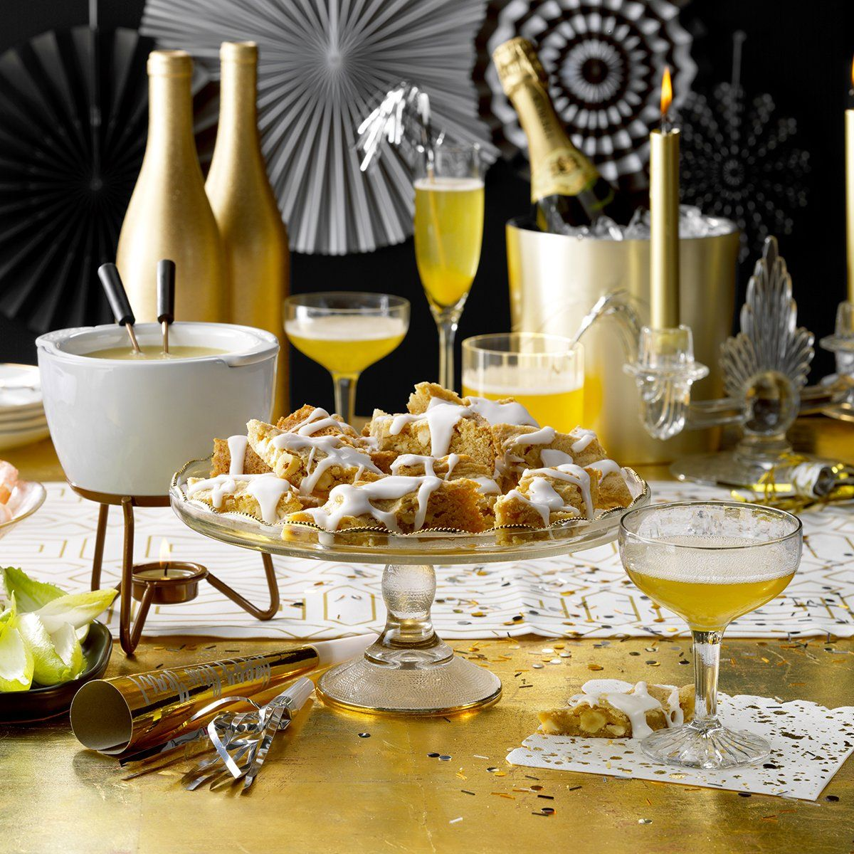 Throw This Gatsby-Themed New Year's Eve Party (With images ...