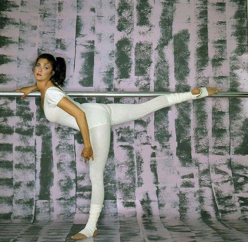 Lynda Carter | Lynda carter, Bikini fitness models, Carters