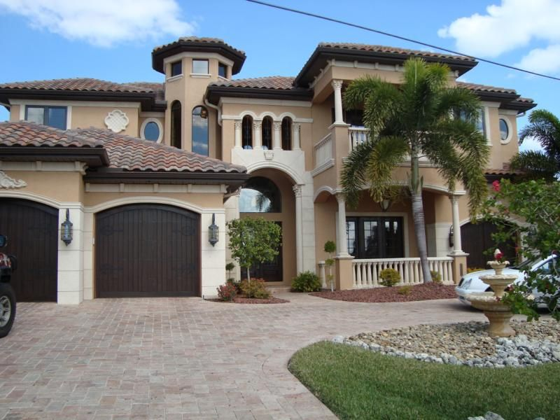 Luxury Homes Cape Coral Luxury Waterfront Estate Homes Exterior Paint Colors For House House Paint Exterior Exterior House Paint Color Combinations