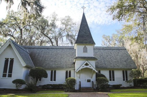 Duties And Responsibilities Of A Church Administrator Thumbnail