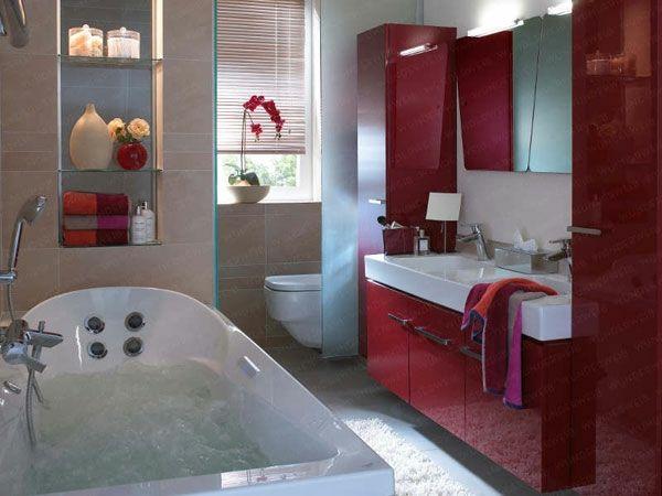 Kleines Bad Einrichten Badideen Dunkelrot Wand