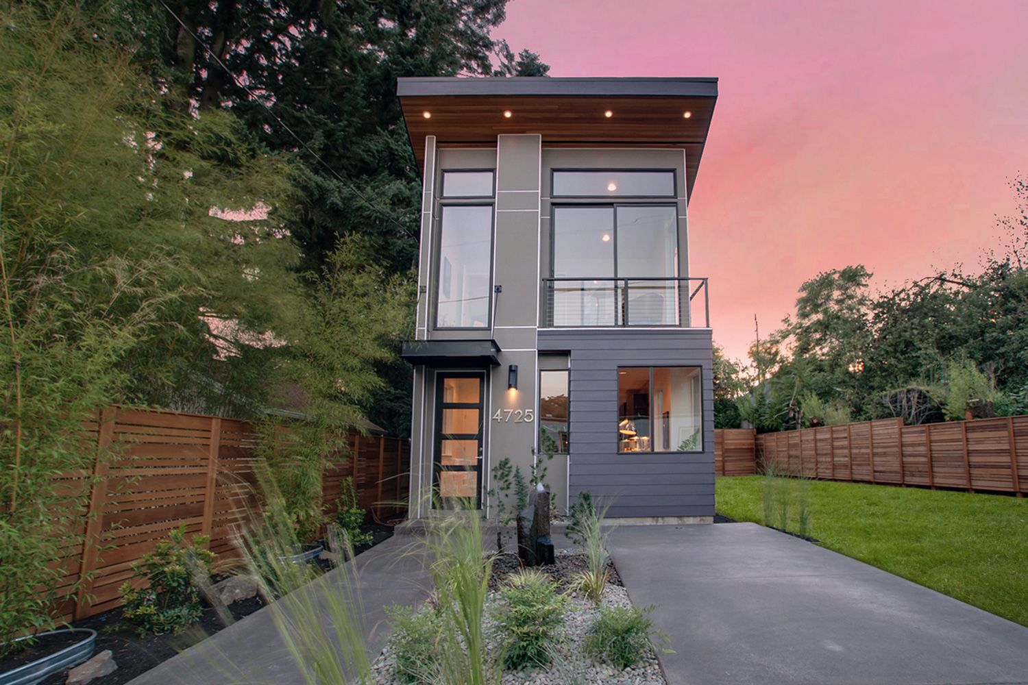 Modern home in portland homes by brent keys modern moderndesign homebuilding home portland oregon