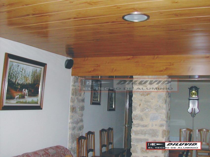 Los techos de aluminio, rústicos DILUVID, dan la solución ideal para la decoración de cualquier habiente del hogar.