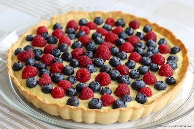 Mona's Kjøkkenskriverier: Dessertpai med blåbær og bringebær