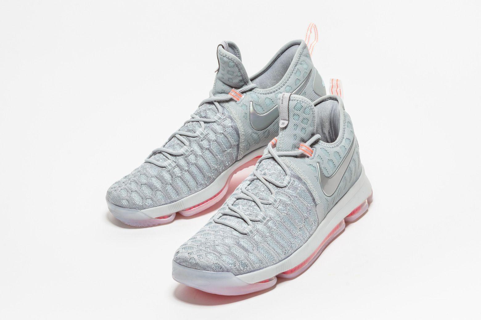 Nike Zoom Kd 9 Lmtd Pre Heat 843396 090 In 2020 Girls Basketball Shoes White Basketball Shoes Volleyball Shoes