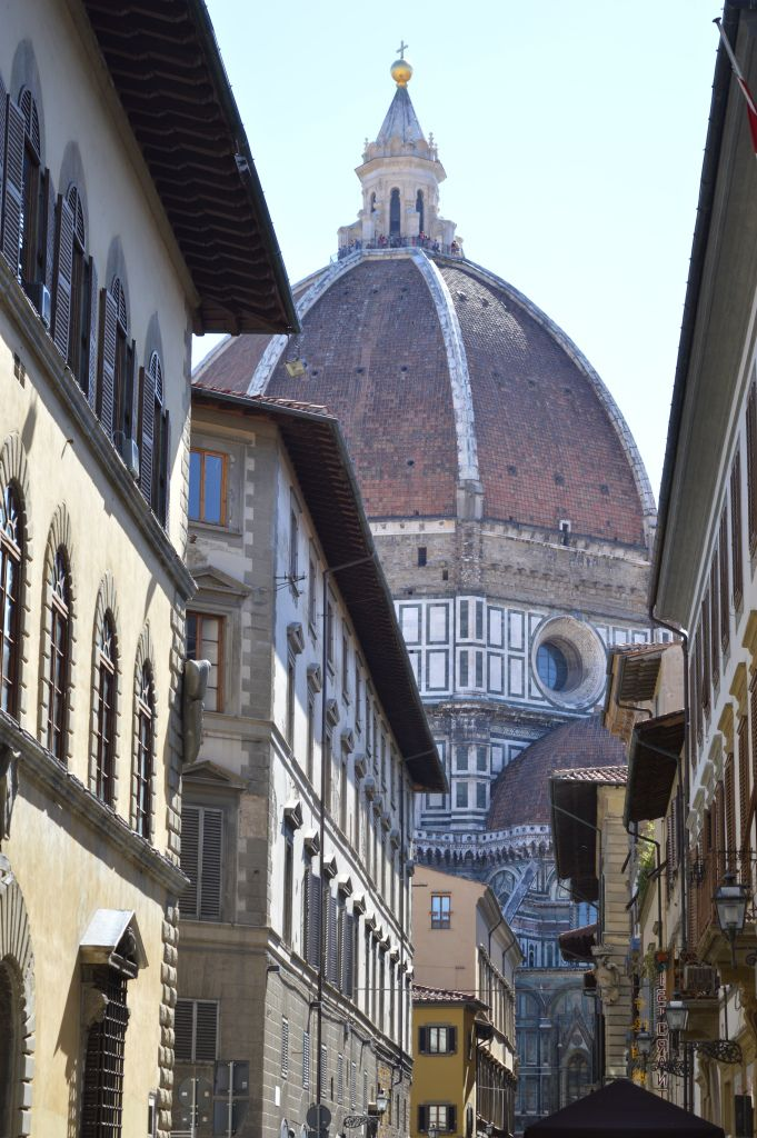 A look at the cathedral of florence, one of the tallest to the world #travel #florence #italy #places #photography