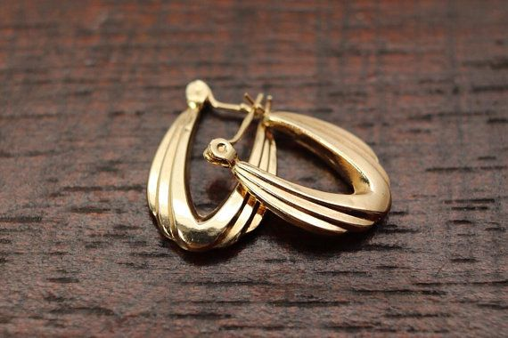 Estate k hoop earring yellow gold pierced earring st