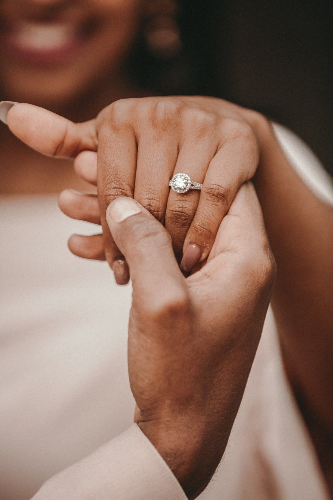 Wedding Ring Finger What Hand Do Your Wedding And Engagement Rings Go On Wedding Ring Finger Engagement Rings Couple Engagement Pictures