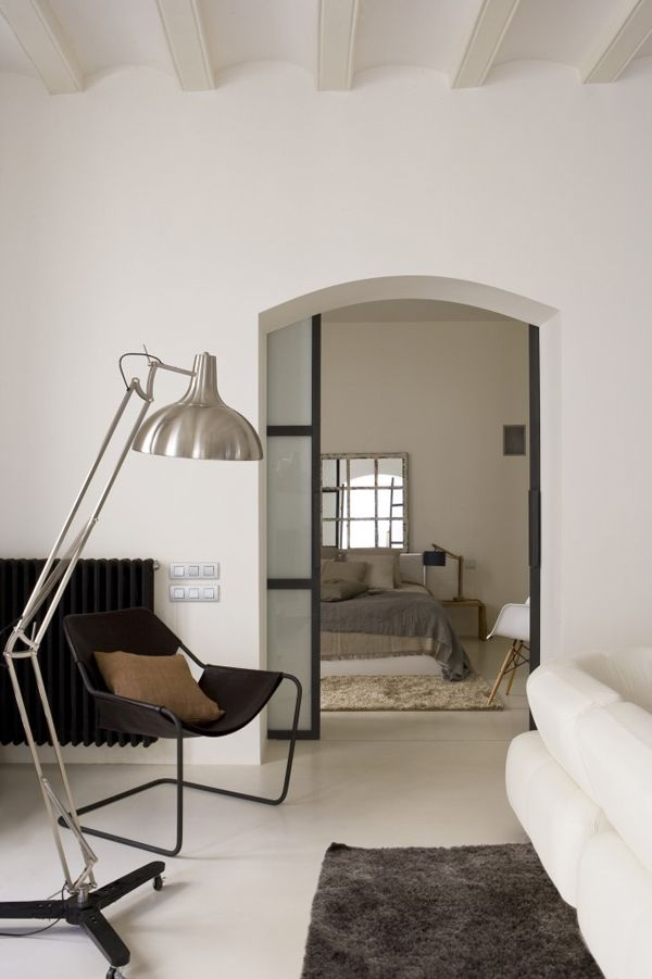 Less is better - but hard to achieve in real day to day living - Porte De Maison Interieur